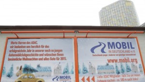 Plakataktion der ADAC Alternative mobil.org an der Hansastraße München