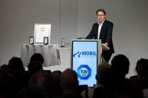 Andreas Scheuer hält eine Rede bei Mobil in Deutschland e.V.